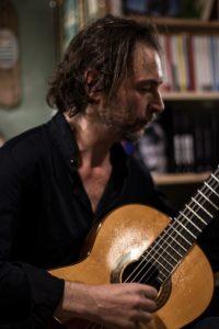 Francesco Morittu che suona